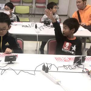 静岡市「まある」での子ども向けプログラミング体験会の写真